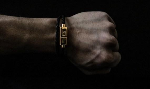 pulseira-masculina-cabo-carregador-02